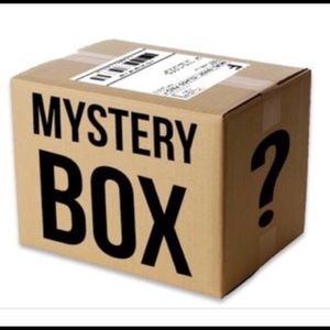STREETWEAR MYSTERY BOX!